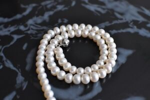 Fresh water genuine pearl
