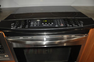 Kenmore Elite Stainless Steel  range in excellent condition