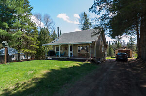 Renovated home, just 15 min south of Bancroft, Waterfront!
