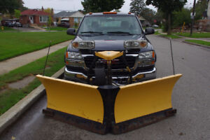 2005 GMC Sierra 2500 SL Pickup Truck With Fisher ExtremeV Plow