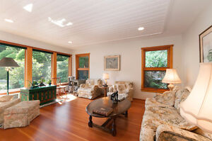 Beautifully crafted island getaway on Cates Hill North Shore Greater Vancouver Area image 3