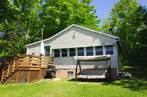 Labor Day Week/end Sale: Dog Lake Cottage, Fish, 9.8hp Boat Incl