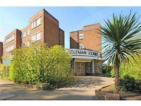 Bright One Double Bedroom Top Floor Flat to rent - Coleman Court SW18 LONDON