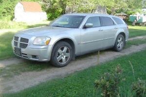 PARTING OUT 2006 DODGE MAGNUM AWD