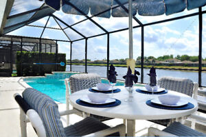 The Retreat By The Lake - Upscale Lakeside Villa near Disney