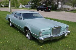 1976 Lincoln Mark Series Coupe (2 door)