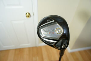 Titleist 910F 3 & 5 Wood R-flex for sale