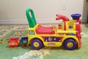 Fisher Price Little People Circus Train Playset Ride-On