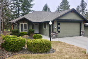 Pristine, desirable home at Sunset Ranch - a golfer's delight!