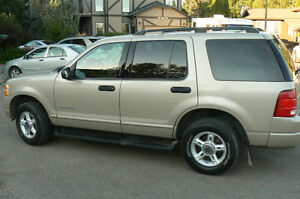 2004 Ford Explorer XLT SUV, Crossover SHOWROOM CONDITION