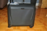 Laptop luggage bag with wheels