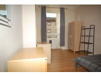 Double room in student flat v close to the city centre - available from 1st Sept