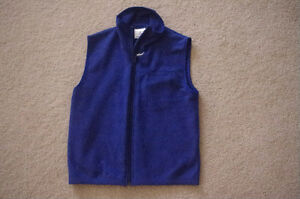 Mondor Brand Fleece Vest, Adult XS -only worn few times!!