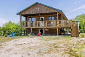 Delightful Cottage-style Home on 1.68 acres! 6453 Highway 329