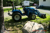 2013 LS 2020 4x4 Tractor only 195hrs 3 yrs warranty