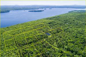 Terrain à vendre entre lac et montagne dans les cantons de l'est