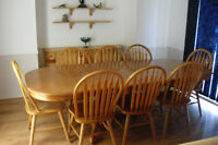oak claw foot table plus 8 chairs