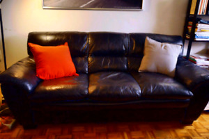 100% Genuine Leather Sofa in Great Condition