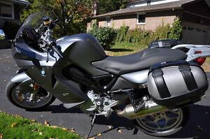 BMWF800ST like new