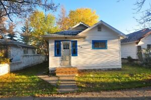 Assiniboia 2 brm house for rent - Available Oct 15th