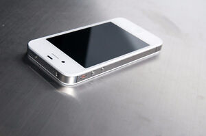 iPhone 4s 16 GB avec Koodo Mobille / Rogers pour seulement 90 $