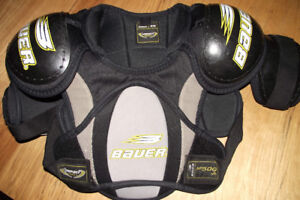 Bauer M/M Youth Impact 500 Hockey Shoulder Pads