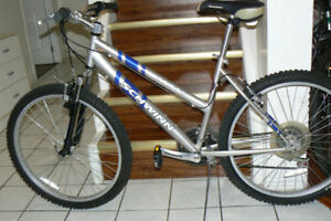 STYLISH EXTRA Large SCHWINN Bike- FRONT SHOCKS -Upto 6 Ft 1 In