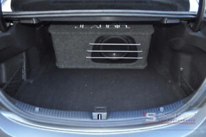 """JL AUDIO HO110RG-W3v3 subwoofer box with brand new 10"""""""