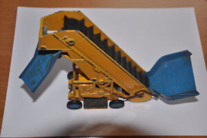 Dinky Supertoys Barber Greene Olding Elevator Loader #964