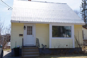 May lease - 6 bedroom houses near campus