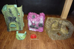 MASTERS OF THE UNIVERSE LOT OF PLAYSET LOOSE FOR PARTS
