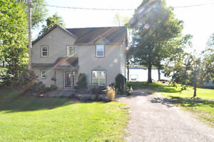 2 & 4 bedroom cottages in White Lake 45min from Ottawa