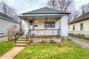 Cute 2 bed home with good size yard! 673858