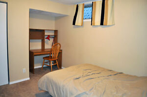 Cozy Furnished Bedroom - Weekly Rental