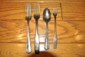 Vintage Oneida Silversmiths Spoons, Forks Hotel Plate Silver