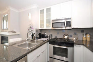 Available NOW  2 Bedroom 2 Bath and Den - in Yaletown