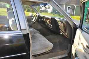 Oldsmobile Delta 88 Royal Brougham 1984