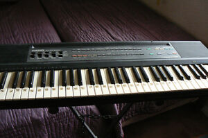 CASIO 640 KEYBOARD WITH STAND