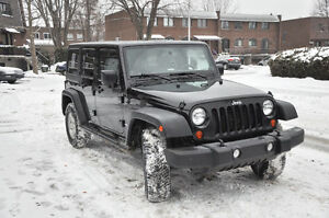 2011 Jeep Wrangler Rubicon Unlimited - Fully Equipped/Leather