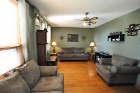 Cozy Country Home with Double Garage - Coutts, AB