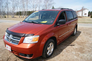 2008 Dodge Grand Caravan SXT 7 passenger mini van