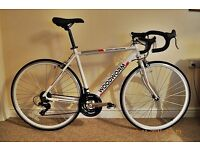 Road bike racer like new can deliver