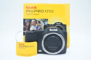 16GB SDHC Card & Kodak FZ152 PixPro 16MP Camera