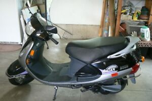 """Brand """" New"""" 2005 Motor Scooter"""