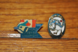 Toronto Blue Jays Pins Pin Back World Series 1992 Lot of 2