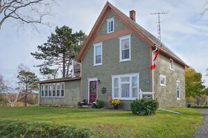 BEAUTIFULLY RENOVATED HOME IN PEI