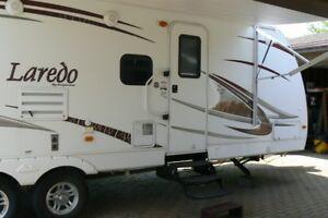 Roulotte 2011 KEYSTONE Laredo 290 BH