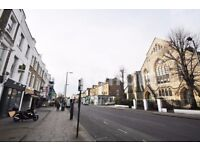 A beautiful 3 double bedroom apartment is located in Tufnell Park within minutes walk to the tube &