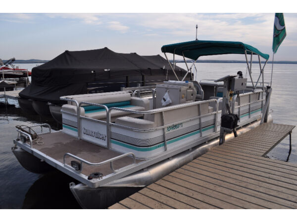 Used 1993 Lowe 24 ft Suncrusier by LOWE