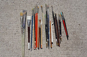 Fantastic Collection of Fine Artists Paint Brushes